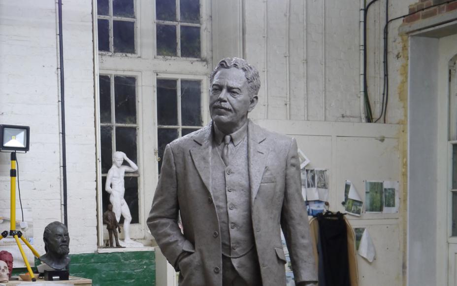 Sir Nigel Gresley statue