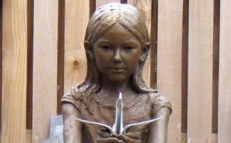 Sadako Sasaki - sculpture by Hazel Reeves