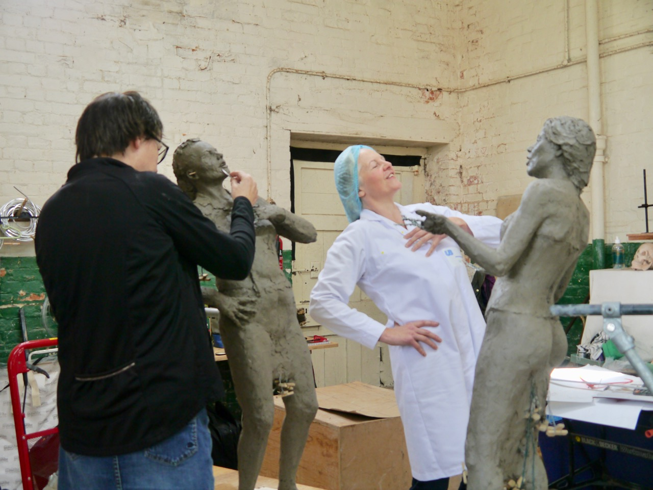 Sculpting the clothed figure – I