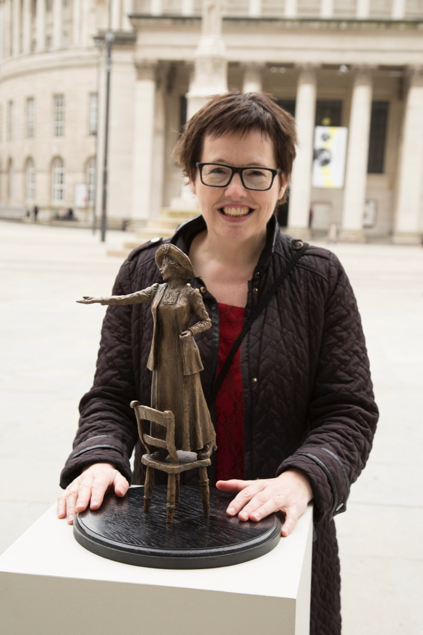 Hazel Reeves with Emmeline Pankhurst maquette - photo by Sue Anders